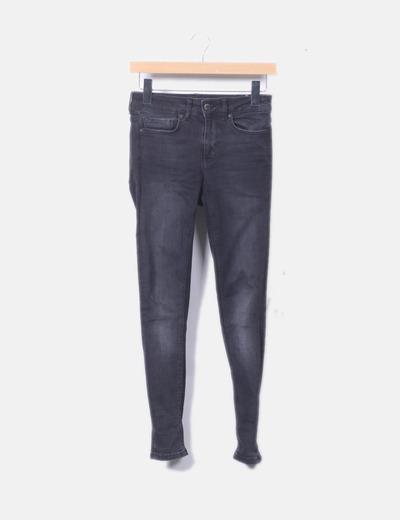 Jeans denim negro con cremalleras