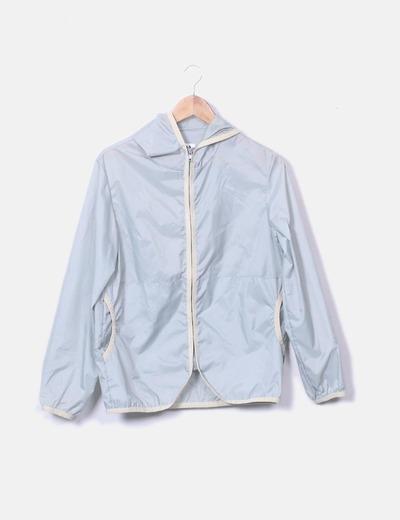 Anorak impermeable con capucha