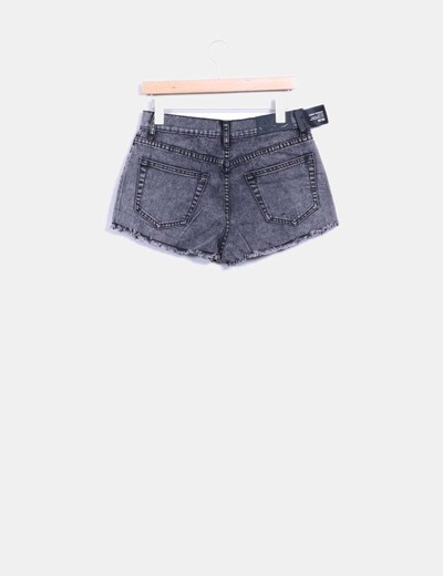 Shorts denim gris desflecada