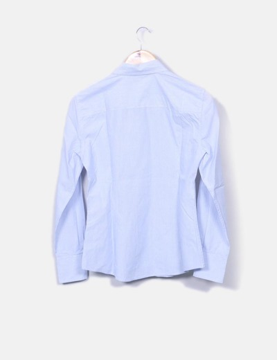 Camisa de rayas azules y blancas