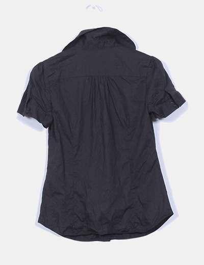 Camisa negra manga corta entallada