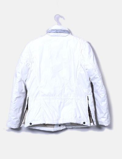 Chaqueta blanca bolsillos