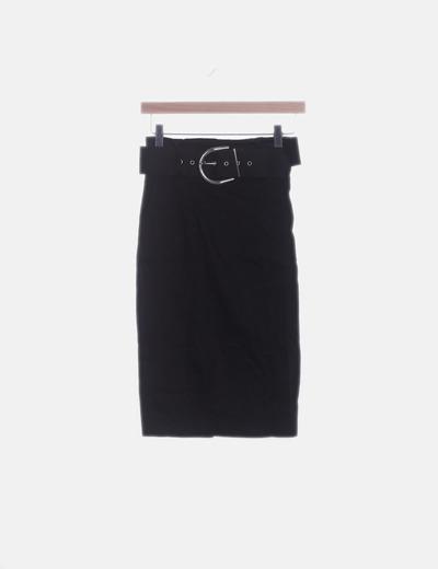 Falda midi negra con cinturón