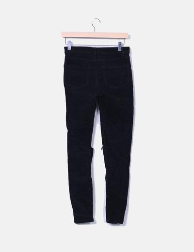 Pantalon pitillo de pana negro
