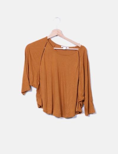 Camiseta de punto mostaza Suiteblanco