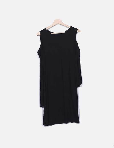 Vestido fluido negro hombros descubiertos Suiteblanco