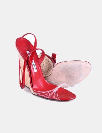 Sandalia roja con cuna