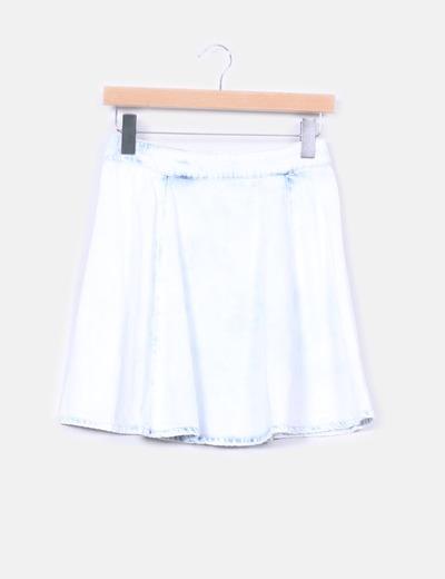 Mini falda vaquera clara de vuelo Stradivarius