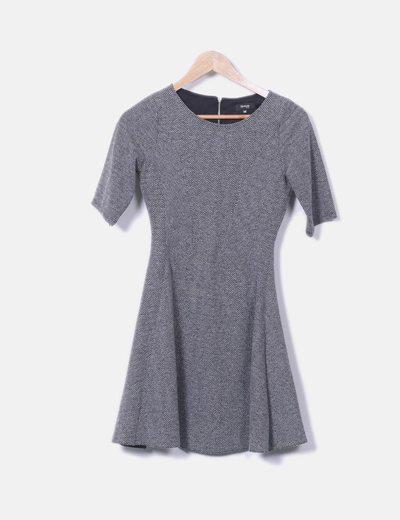 Vestido de espinha de peixe cinza epaulet print Fórmula Joven