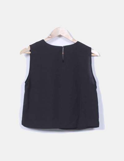 Blusa corta negra con strass