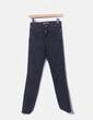 Jeans denim negro con botones Zara