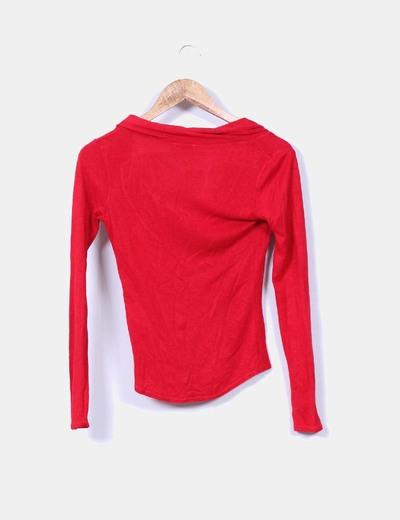 Tricot rojo con cuello vuelto