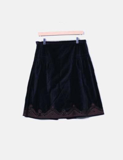 Falda de terciopelo con abalorios