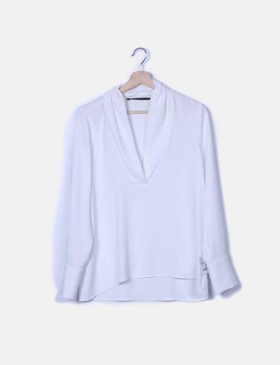 Blusa blanca manga larga escote en pico