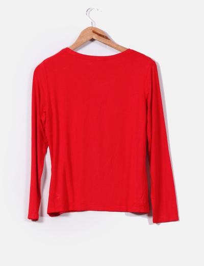 Camiseta roja con brillos