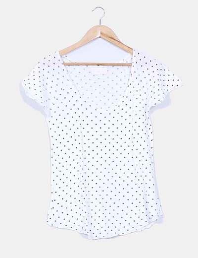 Camiseta blanca con topos Zara