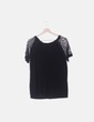 Camiseta fluida negra mangas de encaje NoName
