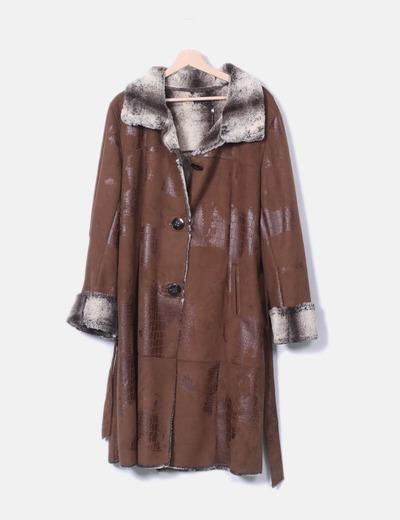 Abrigo marrón con borrego interno Dandara