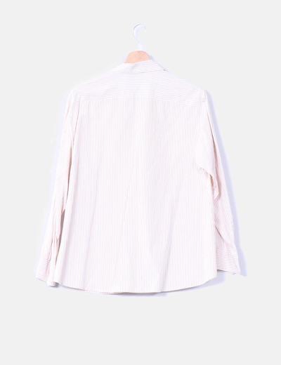 Camisa de rayas beige
