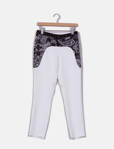 Pantalón blanco print cachemira NoName
