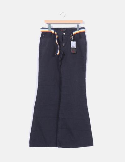 Pantalón negro acampanado  Mioko