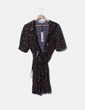 Vestido negro estampado cerezas cruzado Millie Mackintosh