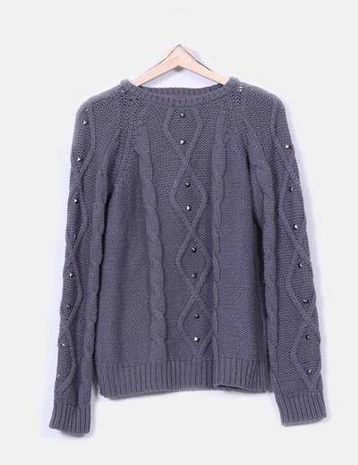 Jersey de punto grueso gris con tachas Zara
