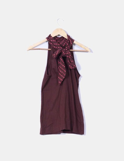 Top marron print con topos