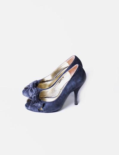 Zapato peep toe gris de ante  Teria Yabar