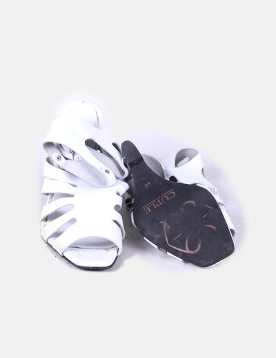 Sandalia de cuna