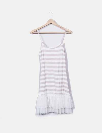 Vestido de rayas blancas y beige con tul Kontatto