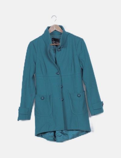 Abrigo largo verde abotonado