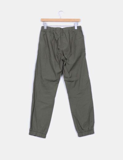 Pantalon baggy verde elastico