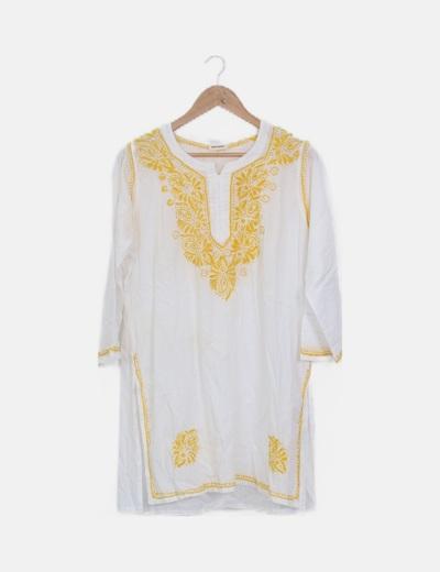 Blusa blanca bordado amarilla
