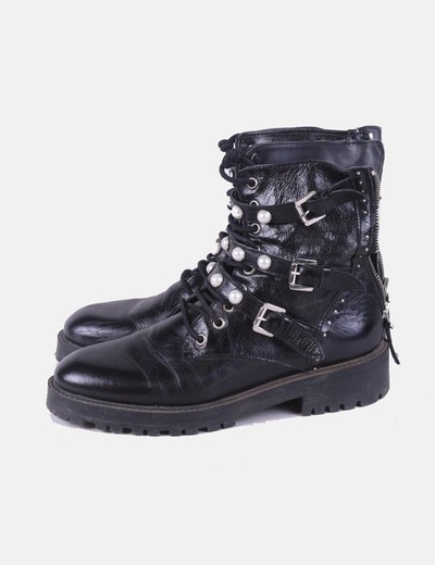 Black military boots with pearls Zara