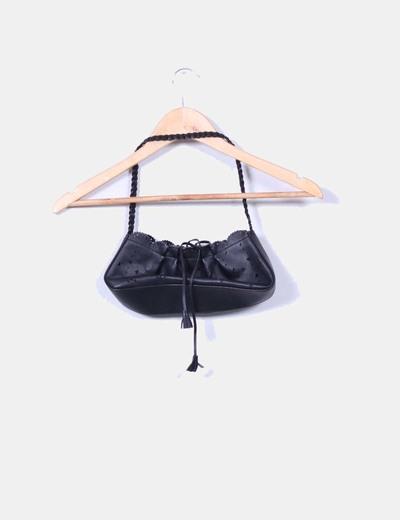 Bolso mini negro troquelado