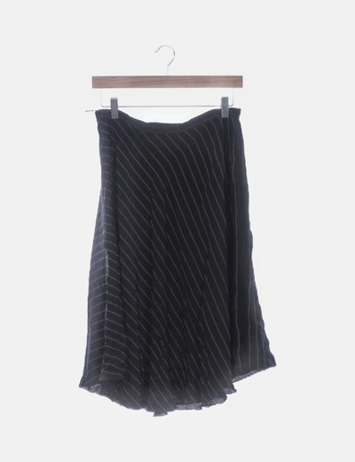 Falda fluida negra estampada