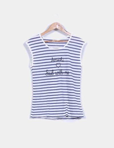 Camiseta texturizada rayas marineras y estampado letras central Amichi