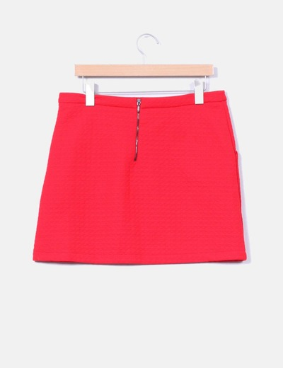 Mini falda texturizada en color rojo