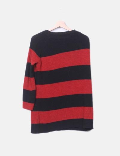 Jersey de rayas rojo y negro