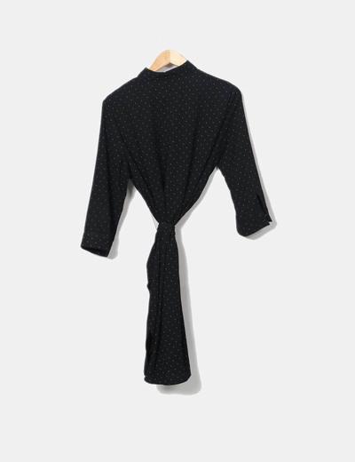Vestido midi negro con topos blancos abotonado