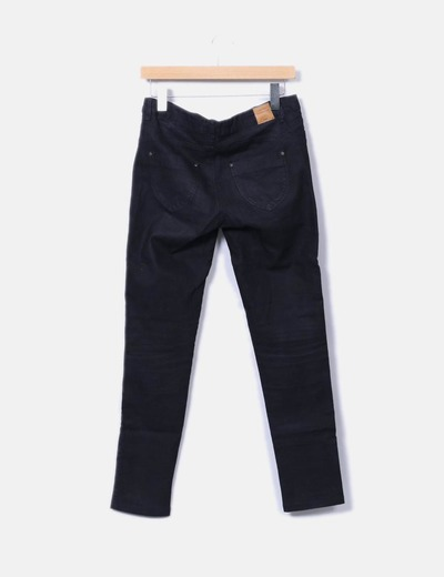 Pantalon pitillo negro