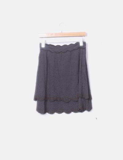 Falda de volantes con abalorios