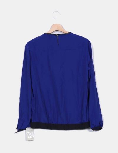 Blusa azul manga larga