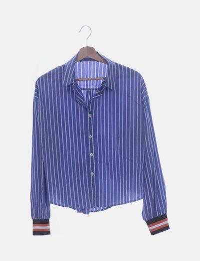 Camisa azul raya detalle puño