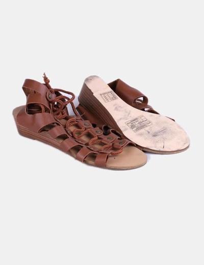Sandalia romana marron con cuna mini