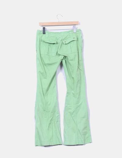 Pantalon verde de campana