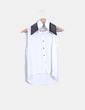 Blusa blanca  solapa con tachas NoName