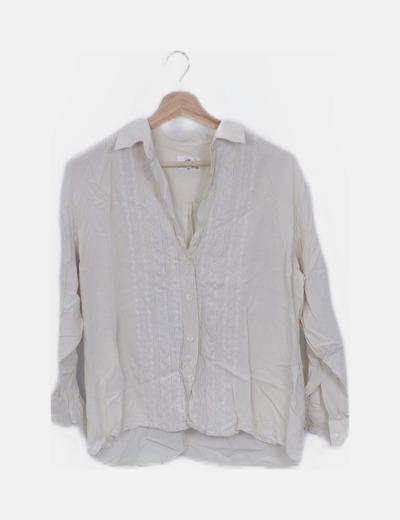 Camisa fluida beige con bordados