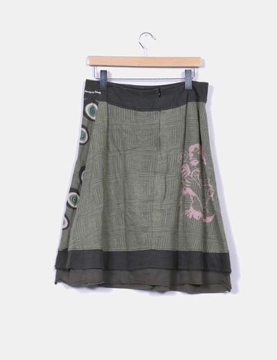 Falda estampada en tonos verdes